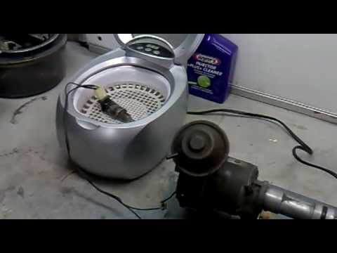 Fuel injector cleaning mercedes w114 280e m110 motor youtube for Mercedes benz fuel injector cleaner