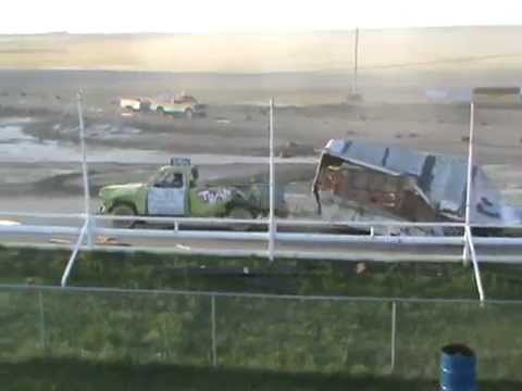Kings Park Speedway 2015 Figure 8 Trailer Race Part #1