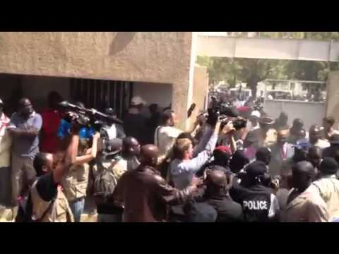 Arrivée sous les hués du Président Sortant Abdoulaye Wade p