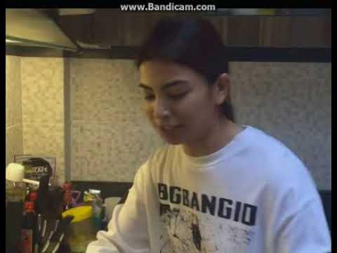 Glaiza De Castro Live- Cooking while Singing