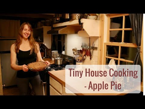 Tiny House Cooking -  Apple Pie