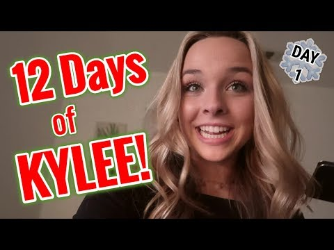 DECORATING FOR CHRISTMAS (12 DAYS OF KYLEE)