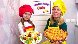 Настя с мамой открыли дома КАФЕ My little Nastya Готовим пиццу и мороженое