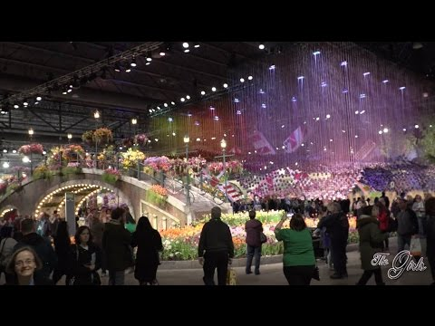 The Girls S.11, E. 1 - Philly Flower Show