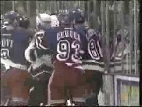 Eric Lindros vs Jeff Halpern / Rangers vs Capitals Mini-Brawl 2003