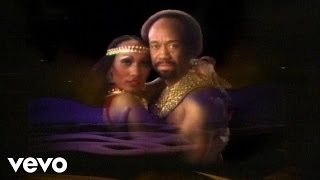 Earth, Wind & Fire - Fall In Love With Me thumbnail