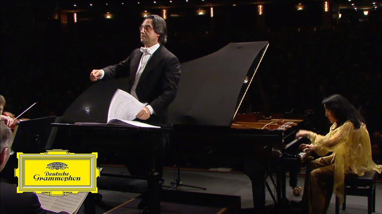Riccardo Muti, Mitsuko Uchida – Mozart: Piano Concerto No. 25, K.503: III. Allegretto (excerpt)