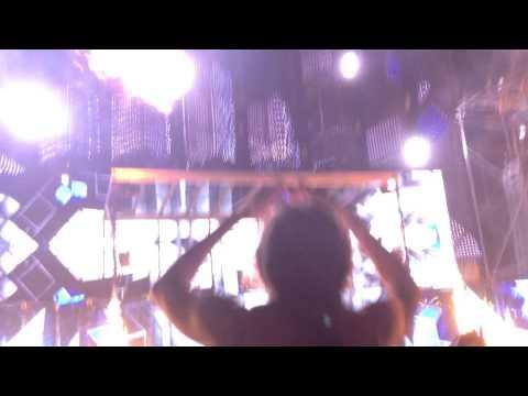Armin Van Buuren - Bloody Moon