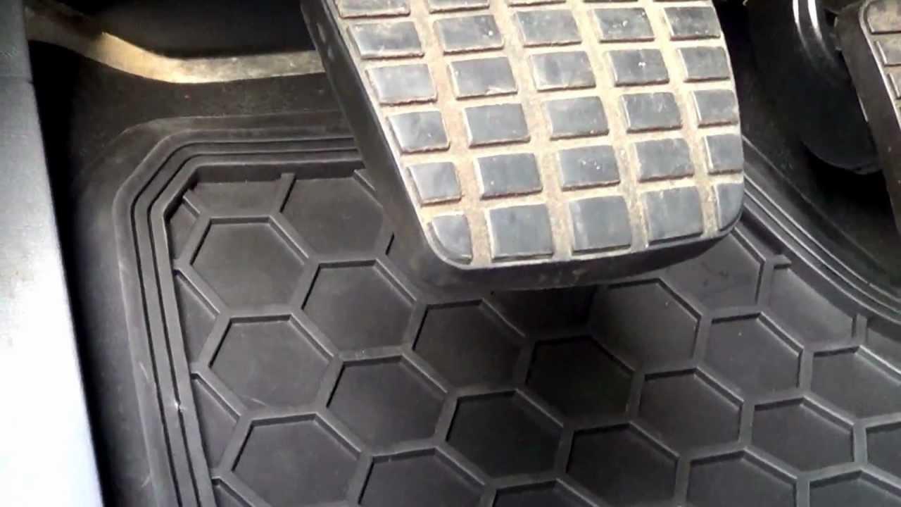 9460 freightliner colombia/coronado driver & passenger floor mats
