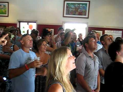 Port Douglas Melbourne Cup 2010 finish at the Court House Hotel