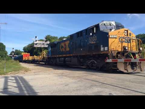 CSX W022-24 crosses through Hamlet, NC