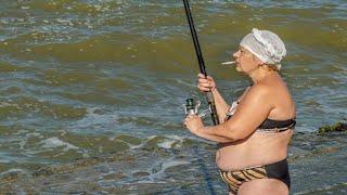 Женская рыбалка Приколы на рыбалке 2020 Девушки на рыбалке 2020