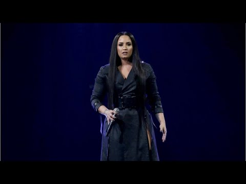 Demi Lovato Kisses Kehlani On Stage