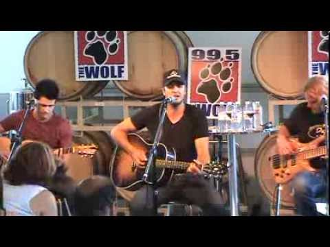 Luke Bryan - Crash My Party (live)