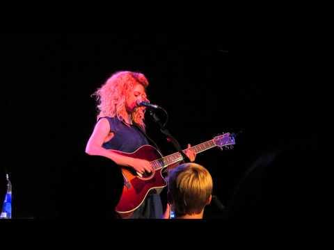 Favorite Hello - Tori Kelly (Live in Nashville)