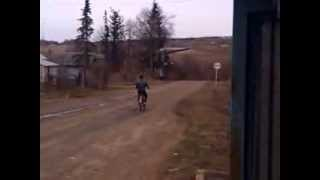 Велосипед с мотором f50 3 часть(Больше видео у меня на канале Мы в контакте:http://vk.com/motobicycles., 2013-04-21T16:00:03.000Z)