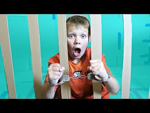 BOX FORT PRISON!!   ESCAPING FROM JAIL!