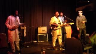 Video Samba Touré live at Tournai (Be) - Gomni with the Reverend Zack (fred Janus) download MP3, 3GP, MP4, WEBM, AVI, FLV November 2018