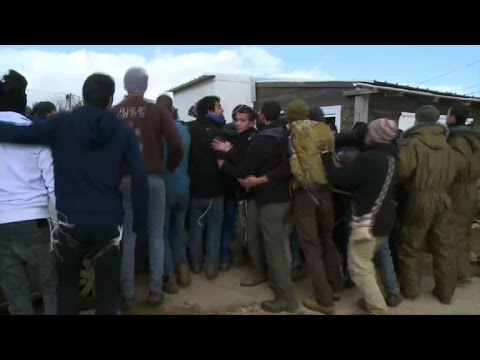Israel evicts settlers from West Bank outpost