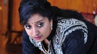 Sona Nair hot and sexy mallu