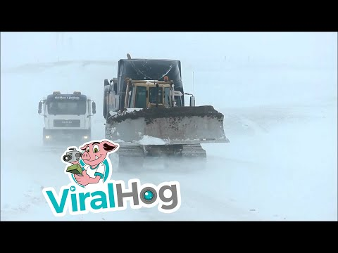 Trucks Having Problem In Iceland Today || ViralHog