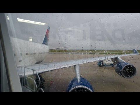 Delta B747-400 Detroit (DTW) to Paris (CDG) Flight Experience