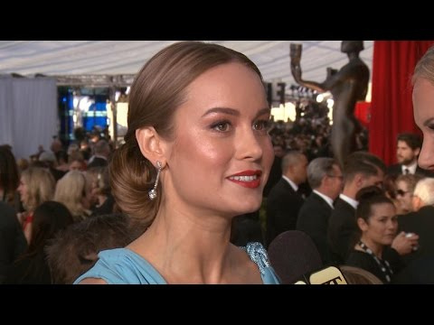 EXCLUSIVE: Brie Larson's Stylist on the Truth Behind Her Awards Season Looks Mp3