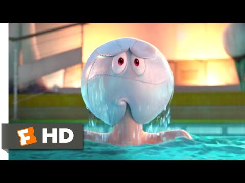 Hotel Transylvania 3: Summer Vacation - Everybody In The Pool Scene | Fandango Family