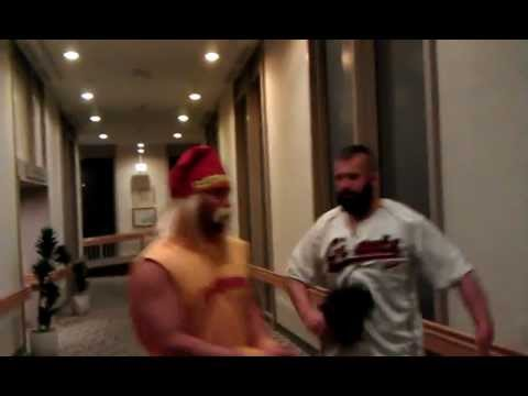 Brian Wilson is Confronted by Hulk Hogan on World Series and XXL Chalupa