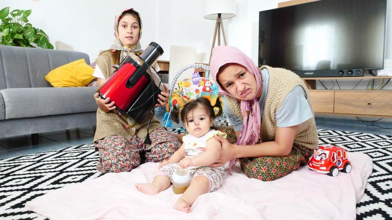 Fındık ailesi ile yemek yapma videosu. Ayşe Defne'ye meyve suyu sıkıyor