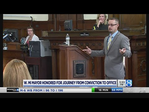 Bangor mayor honored for addiction recovery