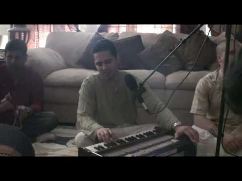 Bhajan - Shyam Kishor das - Hare Krishna