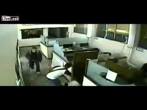 Mexican miscreants visit the Cordoba newspaper office