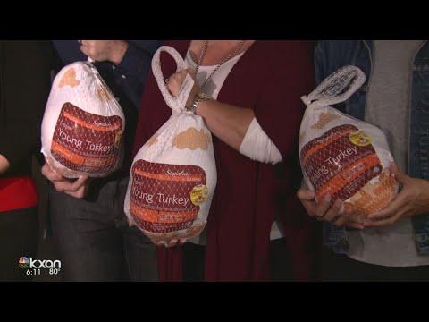 Randalls Food Markets donating turkeys to Central Texas Food Bank