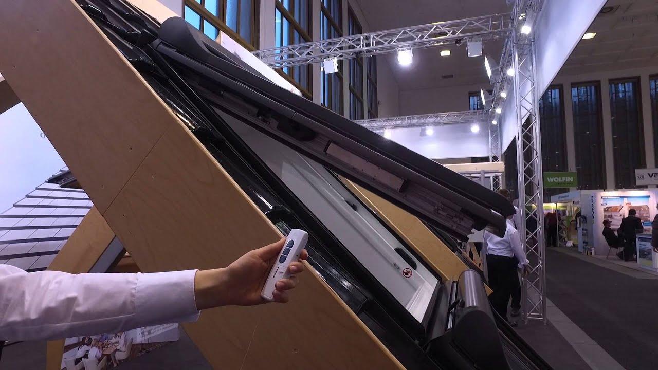 bautec 2016 produktvideo roto dach und solartechnologie gmbh rotocomfort i8 wohndachfenster. Black Bedroom Furniture Sets. Home Design Ideas
