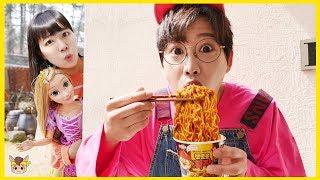 Monkey Santa gives surprise presents, Pororo black noodle for kids pretend play | MariAndKids Vlog