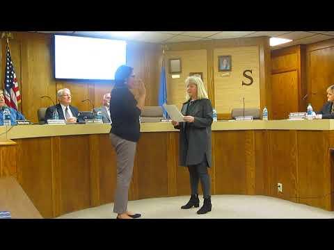 Kristen Wilson takes oath of office
