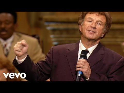 Bill & Gloria Gaither - Let There Be Peace On Earth (Live)