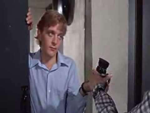 David Hemmings : sharp lines & funny scenes in Blow Up (1966)