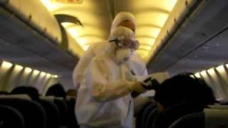 上海の空港にて インフルエンザの検査