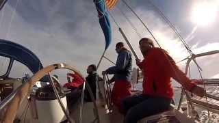 Aprende a navegar en velero con Vadevela