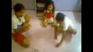 Download Video Stik Upin-Ipin*Inah-Lili-Cia.3gp MP3 3GP MP4