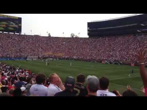 Full Stadium Wave at Real Madrid vs. Manchester United - International Championship Cup 2014