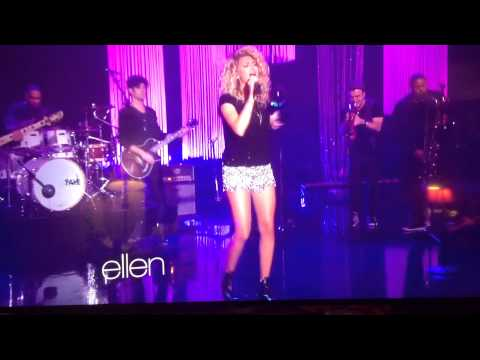 Tori kelly on Ellen singing