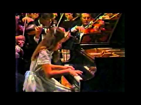 Part 1: The 11 year-old Gabriela Montero plays the Grieg Piano Concerto, 1st movement.