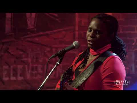 """Ruthie Foster Performs """"Brand New Day"""" On DittyTV"""