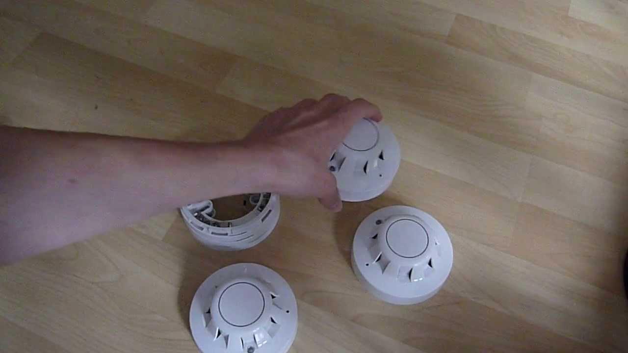 apollo series 65 smoke detector unboxing [ 1280 x 720 Pixel ]