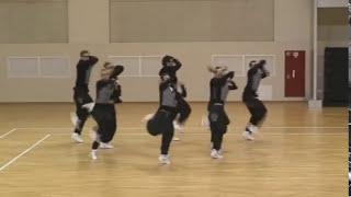Групповой танец