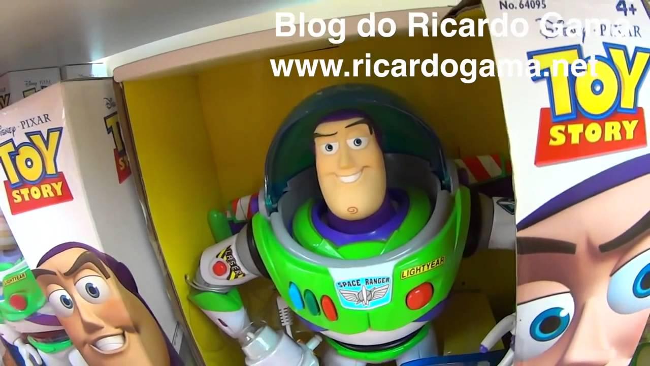 Buzz Lightyear Boneco Do Filme Toy Story E Papai Brincando Na