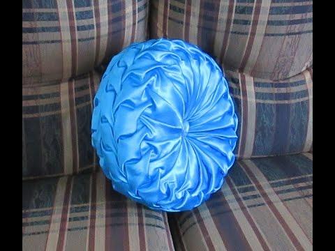 DIY Canadian Smocked Round Cushion